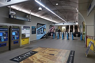 Granville station (SkyTrain) - Access to Dunsmuir Street, showing fare gates