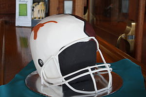 Groom's cake - Image: Groom's cake (helmet)