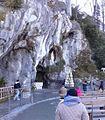 Gruta de la Virgen de Lourdes.jpg
