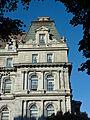 Hôtel de Ville de Montréal (détails, vue de Place Vauquelin).jpg