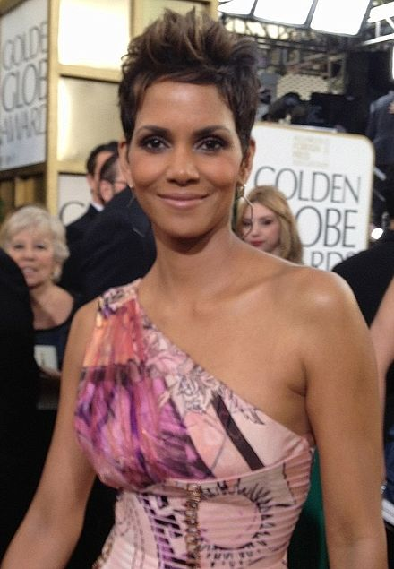 Berry at the 70th Golden Globe Awards on January 13, 2013 Halle Berry 2013.jpg