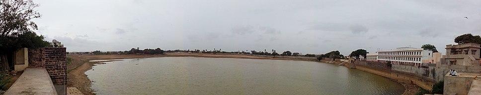 Hamirsar Lake Bhuj 2013-08-01 00-20
