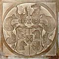 Hegnenberg Familienwappen Grabstein in der Kirche von Oberdolling, Landkreis Eichstätt.jpg