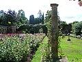 Hever Castle gardens 3.JPG