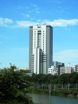 Hosei University - Image: Hosei University Boissonade Tower 120816