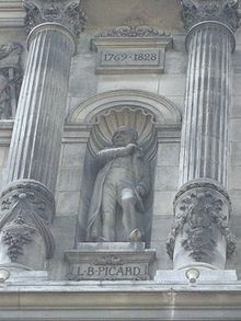 Statue von Louis-Benoît Picard an der Fassade des Pariser Hôtel de Ville (Quelle: Wikimedia)