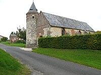 Houry église fortifiée (avec haie du cimetière) 1.jpg