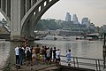 I-35W-collapse-boats-observers-Minneapolis-20070801.jpg