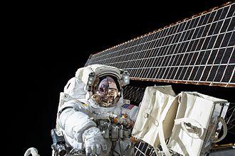2015 in spaceflight - Image: ISS 45 EVA 2 (a) Scott Kelly