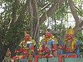 Idols of Muniyappar.jpg