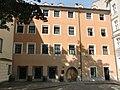 Innsbruck_Domplatz_3.JPG