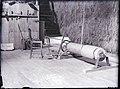 Interieur, onderdeel van het apparaat, lier, dat voor het omhoogbrengen van het hooi zorgt in de schuur, Amerikaanse methode - Joure - 20468200 - RCE.jpg