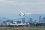 Japan Airlines, B777-200, JA772J (18043877334).jpg