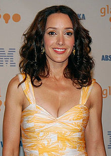 Jennifer Beals at GLAAD Awards cropped.jpg