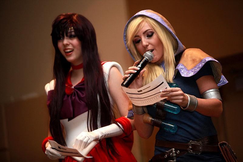 File:Jessica Nigri & Monika Lee (12164029754).jpg