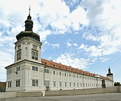 Jesuit College (Kutná Hora), whole building from St. Barbara.JPG