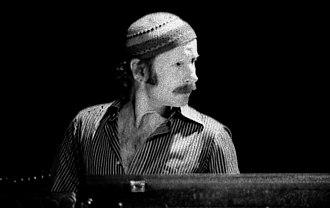 Joe Zawinul - Zawinul with Weather Report in Toronto, 1977 Photo: Jean-Luc Ourlin