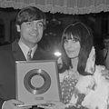 Johnny Lion en Sophie van Kleef (1966).jpg