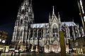 Kölner Dom illuminated.jpg