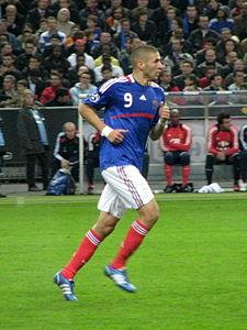 圖片足球運動員的本澤 馬