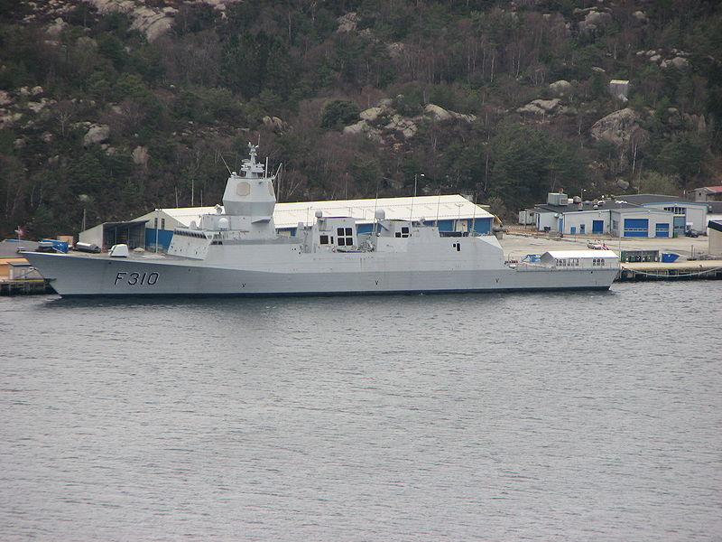 KNM Fridtjof Nansen-2009-04-10-Haakonsvern.jpg