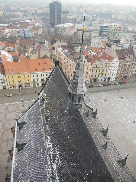 File:Katedrála svatého Bartoloměje, pohled z věže.JPG