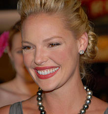 Katherine Heigl at 27 Dresses Premiere 9.jpg