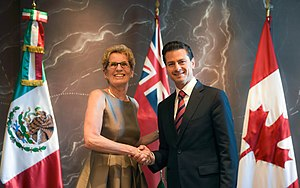 Kathleen Wynne - Wynne with Enrique Peña Nieto in 2016