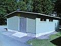 Keinutien Ala-asteen koulun roskakatos - panoramio.jpg
