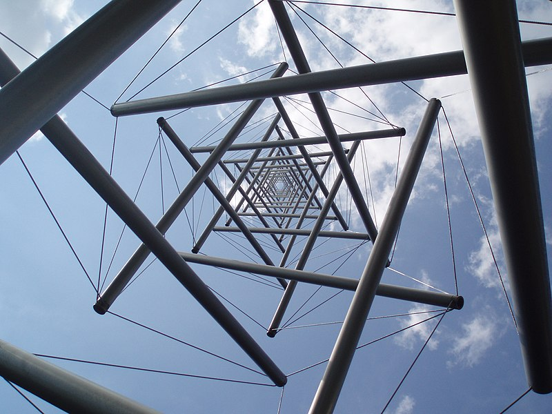 Kenneth Snelson - Needle Tower