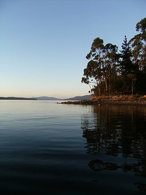 D'Entrecasteaux Channel - Image: Kettering Easter Sunrise 109
