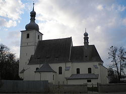 Kostel sv. Valentina Bravantice.JPG