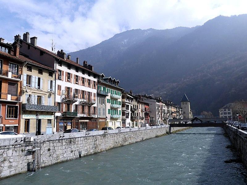 File:L'Isère à Moûtiers en hiver (2018).JPG