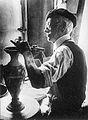 Léon Sagy maître céramiste.jpg
