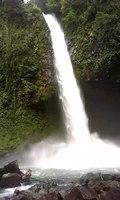 File:La Fortuna waterfall.webm