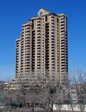 La Rive Condominiums - Image: La Rive Condos Minneapolis 1