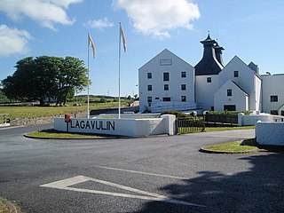 Lagavulin Distillery - geograph.org.uk - 865593.jpg