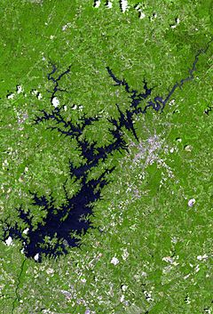 Lake lanier satellite map.jpg