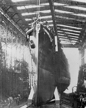 USS Montpelier (CL-57) - Image: Launching of USS Montpelier (CL 57) 1942