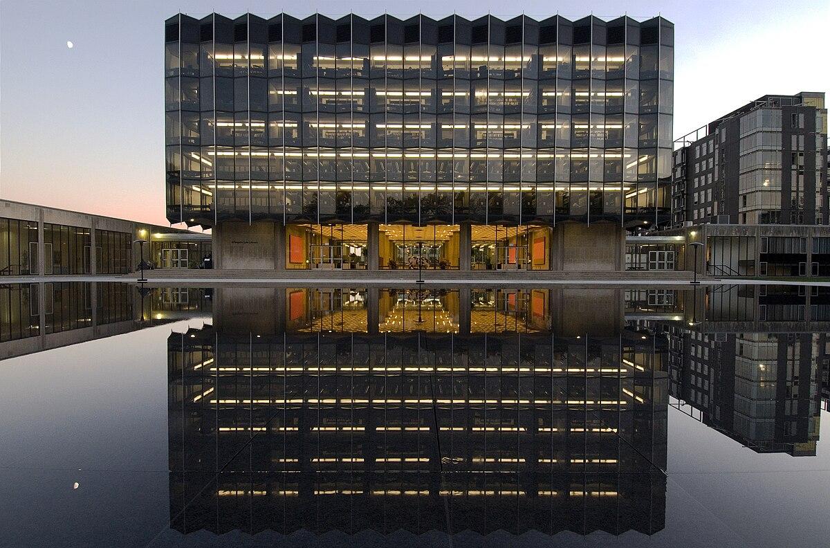 University of Chicago Law School - Wikipedia