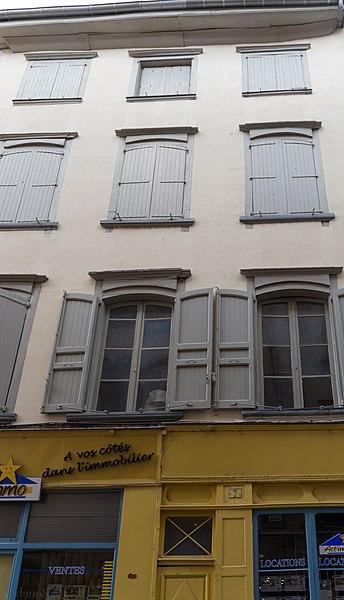 Immeuble situé 7 rue Chènebouterie au Puy-en-Velay.