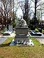 Legnica, cmentarz komunalny, pomnik w Alei Zasłużonych.jpg