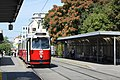 Linie 66 Hst Reumannplatz U.JPG
