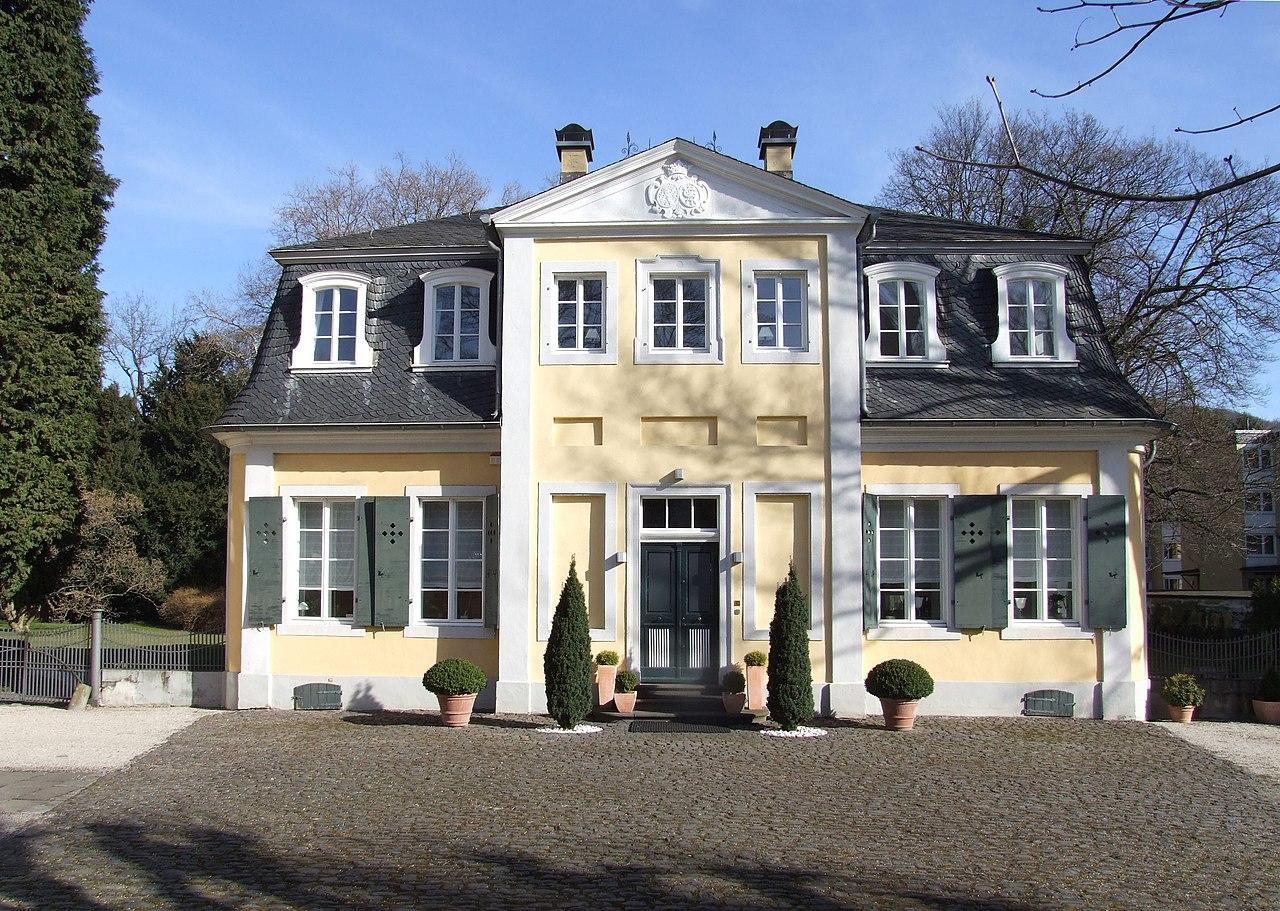 File lippisches landhaus wikimedia commons - Landhaus fenster ...