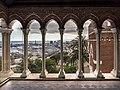 Loggiato del Castello d Albertis, veduta sul porto.jpg