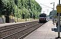Malaunay-Le Houlme, passage d'un train Paris-Le Havre (rame à deux niveaux).jpg