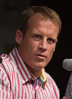 Fringe (TV series) - Mark Valley played Olivia's partner and lover, John Scott, in the first season.