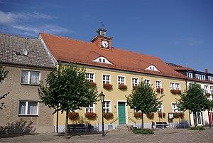 Markt 22 Rathaus Friesack.jpg