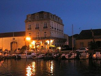 Marseillan, Hérault - Marseillan harbour at night