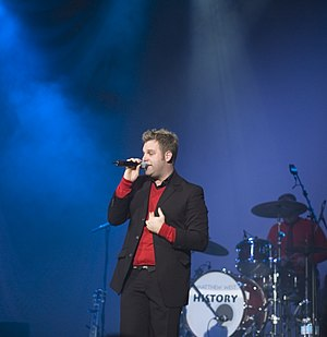 Matthew West - Matthew West at a concert on tobyMac's Winter Wonder Slam tour in December 2005